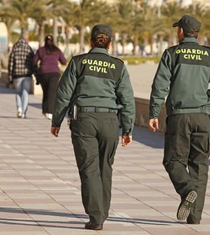 La Guardia Civil realiza varios registros simultáneos en Peguera y Palma.