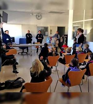 Colegios visitan a Policia