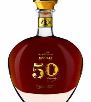 4-Imagen-del-brandy-Suau-50-años-300x336