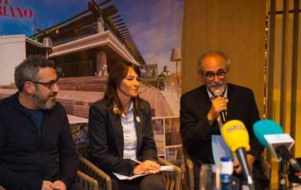 De izquierda a derecha, Rafael Creus directro de cultura del Consell de Mallorca, Isabel Teruel directora de Port Adriano y Roberto Menéndez(1)