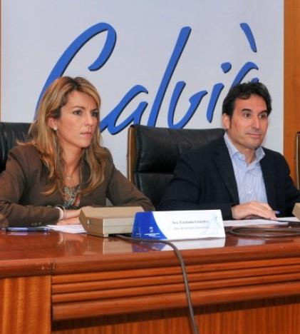 Estefanía Gonzalvo y Manuel Onieva durante la rueda de prensa