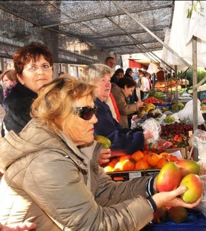 El mercado de Peguera cuenta con 150 expositores.